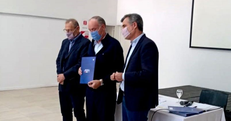 Villa Cañás entrega de fondos